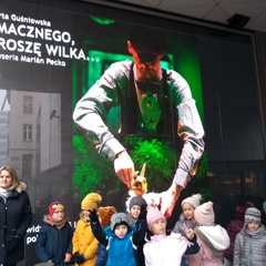 Galeria Mikołajkowa wycieczka pierwszoklasistów