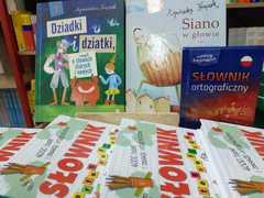 Przykłady książek o języku polskim.