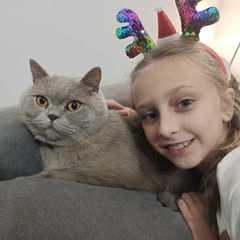 Julia ze swoim kotem.